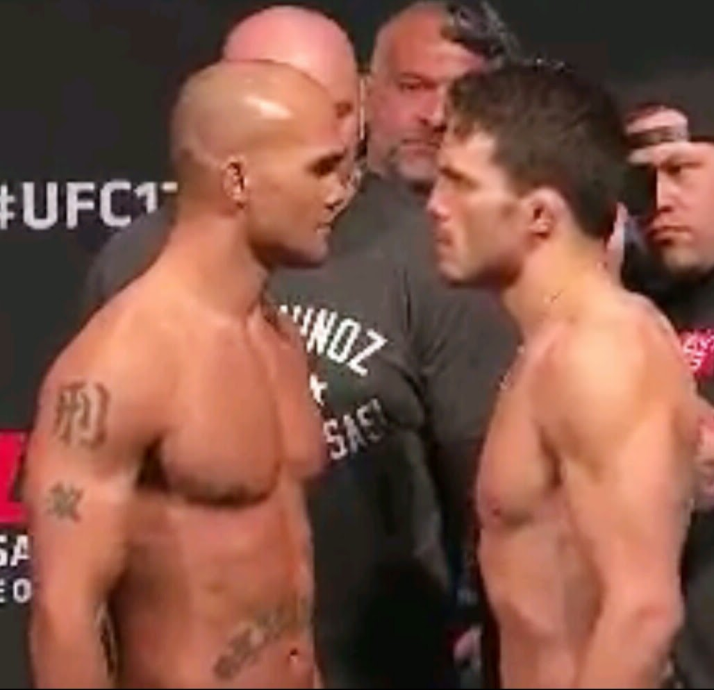 UFC 173  WEIGH-IN RESULTS ANDPHOTOS