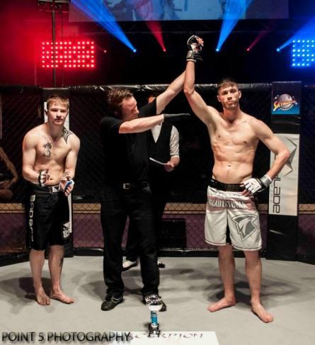 Alex Brunnen at RAGED UK MMA (c) Point 5 Photography