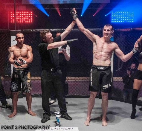 Phil Wells at RAGED UK MMA (c) Point 5 Photography