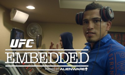 UFC 185 Embedded: Ep1- Haircuts, Bacon, Shopping, training andsight-seeing!