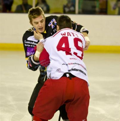 Brad Watchhorn (Bracknell Bees) and  Nicky Watt (Swindon Wildcats) at link centre Swindon by bluelinephotography.co.uk