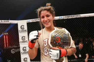 Pannie Cage Warriors Champion (C) Cage Warriors